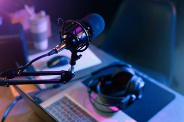 kenh-podcast-cho-trinh-do-trung-cap